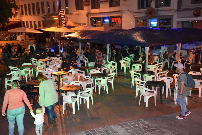 Een beeld dat vorige week werd genomen: de terrassen op de Grote Markt in Menen.
