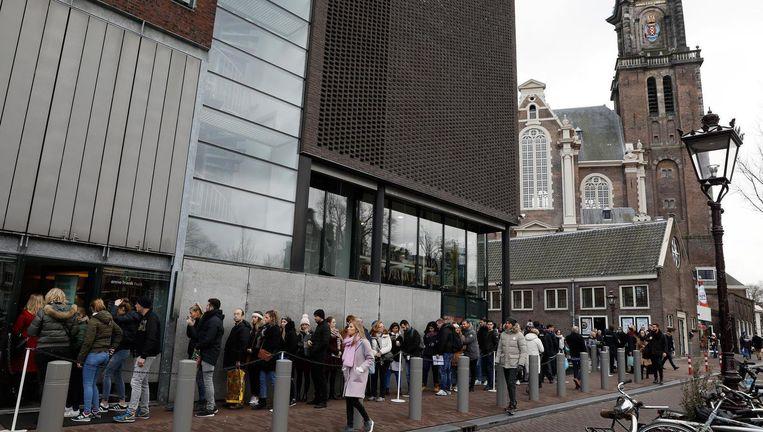 De dagelijkse lange rij voor het Anne Frank Huis Beeld ANP