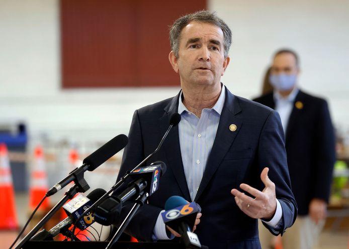 Gouverneur Ralph Northam van Virginia, dat de 23e Amerikaanse staat wordt waar de doodstraf verboden is.