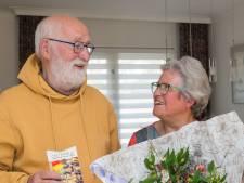 Jan Larmit uit Haaren krijgt het eerste Mantelzorgcompliment van Oisterwijk dit jaar