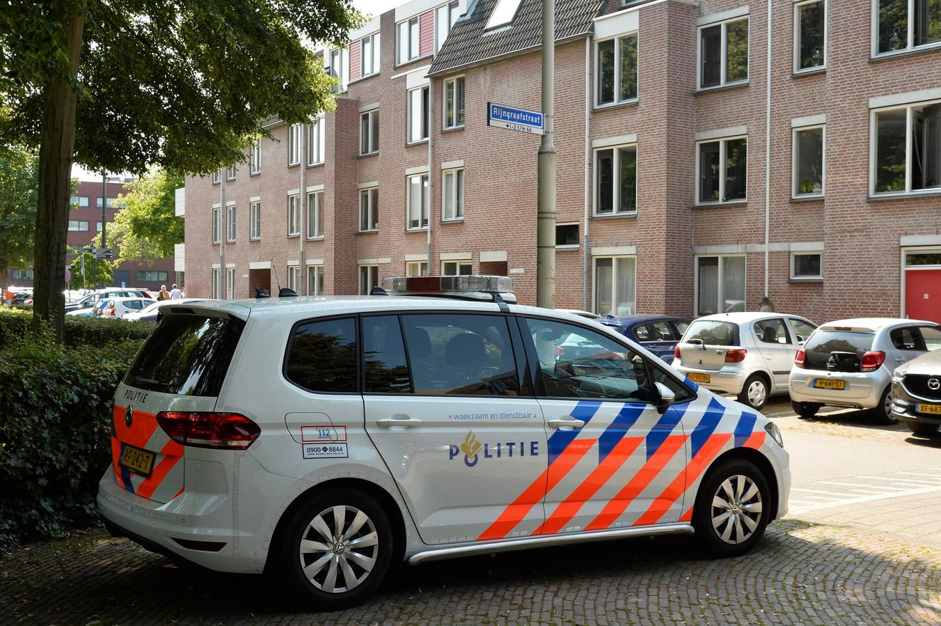 Politie houdt verdachte met vuurwapen aan in Breda.
