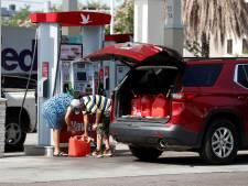 Witte Huis waarschuwt hamsterende inwoners: 'Vul geen plastic zakken met benzine'