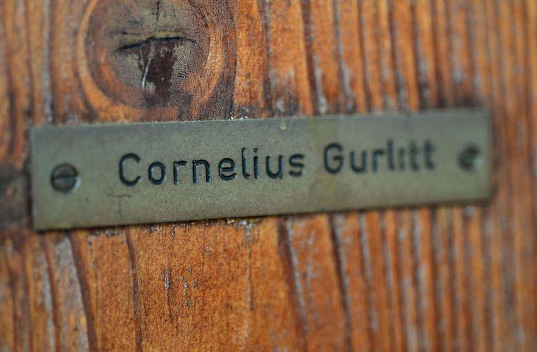 Het naamplaatje van Cornelius Gurlitt op de deur van zijn huis in Salzburg. Beeld belga