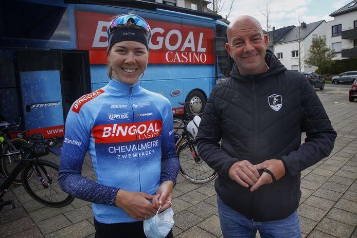 Thalita de Jong en Davy Wijnant vorige maand bij de start van het Festival Elsy Jacobs in Luxemburg.  In de rittenkoers won De Jong het bergklassement.