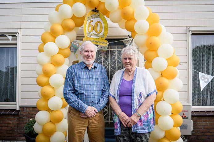 Henk en Mini Paalman wonen na een aantal verhuizingen al 30 jaar in Holten en dat bevalt prima.