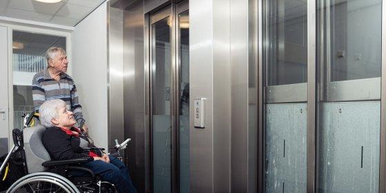 Kapotte liften nekken bewoners De Witte Kaap