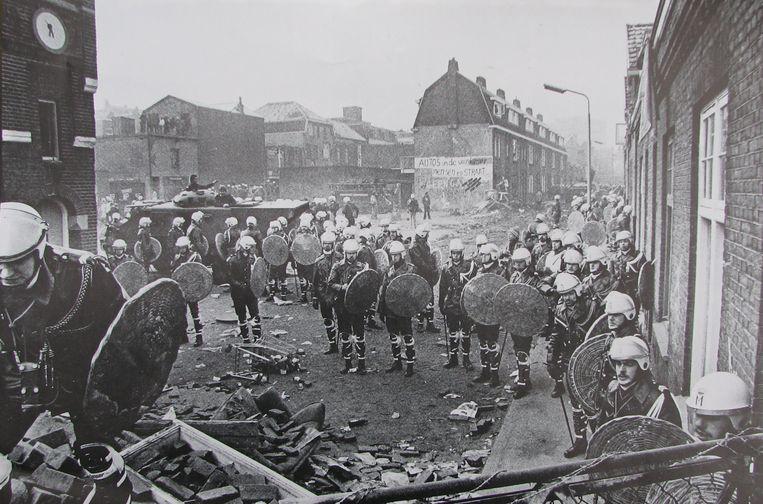 De krakersrellen in de Piersonstraat in 1981. Beeld Bataforum / De Pierson