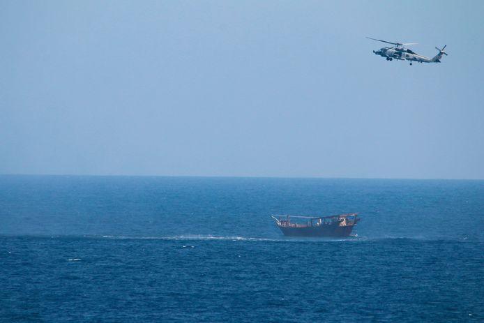 De wapens werden vervoerd door een traditioneel zeilschip (dhow) zonder nationale vlag.