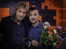 Tubantia-columnist Özcan Akyol wint prestigieuze prijs voor radioprogramma 'Onze man in Deventer'