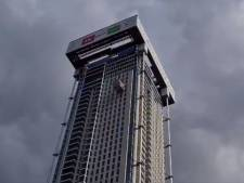 Windvlaag krijgt vat op bouw Zalmhaventoren: metershoge kast zwaait vervaarlijk heen en weer