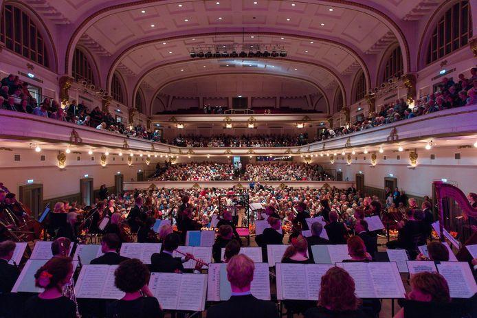 Het Gelders Orkest in 2017 aan het werk in De Vereeniging in Nijmegen. Nu het orkest is gefuseerd met het Orkest van het Oosten heet het Phion.