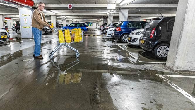 Glibberen en glijden in deze lekkage-garage in Zwolle: 'Dit kan echt niet meer'