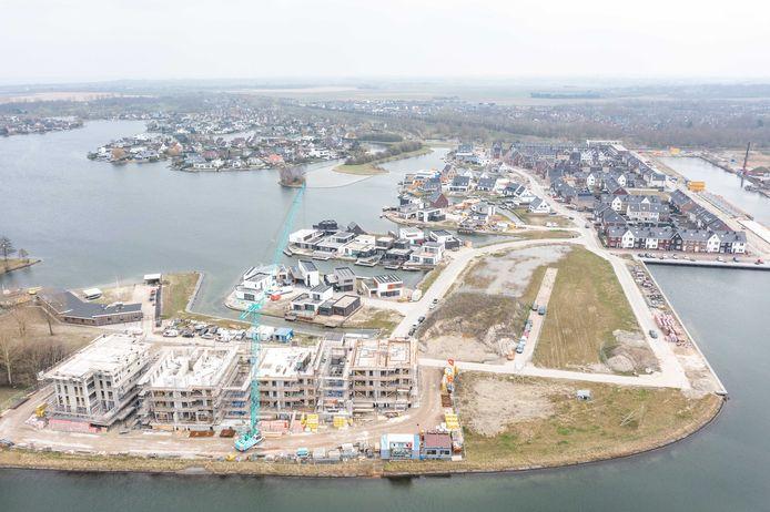 Een foto van de wijk in aanbouw uit maart van dit jaar. Het laatste stukje van de wijk komt rechtsonder op de foto.