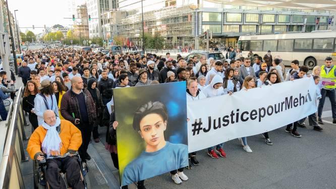 700 mensen lopen mee in witte mars voor Mehdi