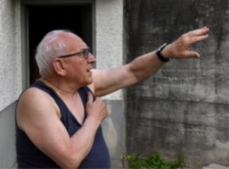 Arnoldo Giacometti zag de lawine het dorp binnenstromen. 'Het slijk voerde alsmaar grotere rotsblokken mee. Die tuimelden niet, ze dréven op de grijze stroom.' Beeld