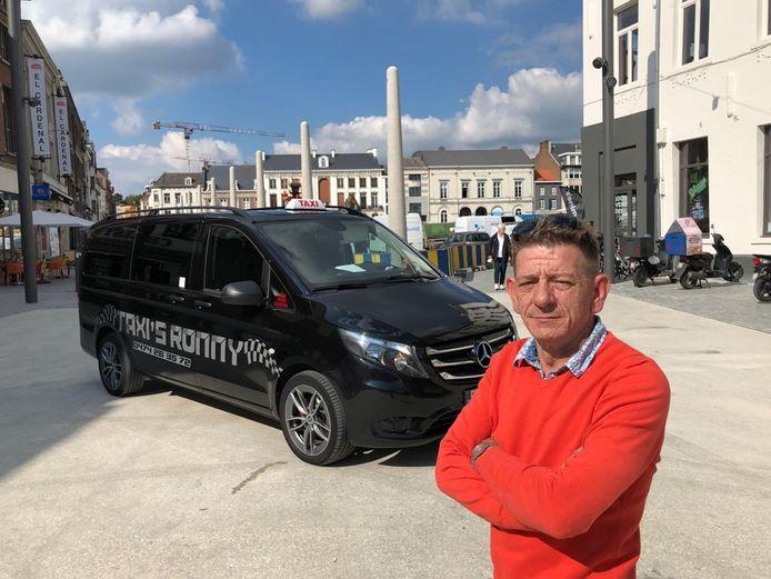 Taxichauffer Ronny Brants van Taxi's Ronny hoopt dat hij vanop de standplaatsen zijn klanten goed kan bedienen.