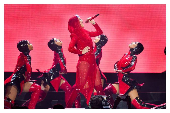 Katy Perry op het podium van het Sportpaleis.