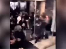 Nieuwe beelden van onrust in Groningen: tientallen jongeren vluchten gillend McDonalds in