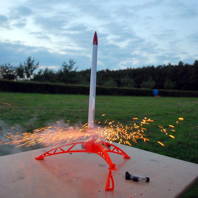 De 'Space Hoppers' zullen onder andere een eigen raket maken.