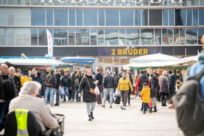 De Enschedese binnenstad heeft door corona een behoorlijke klap gekregen. Het gemis van Duitse klanten laat zich gelden, blijkt uit onderzoek.