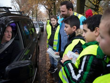 Drempels voor gevaarlijke oversteek bij fusieschool in Doetinchem