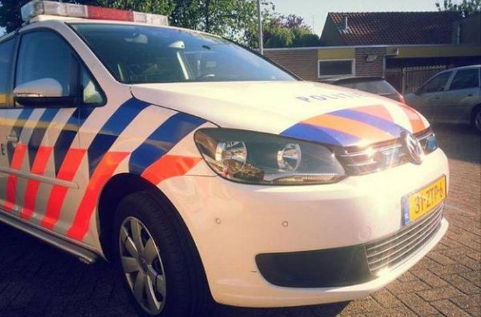 De dienstauto van de politie.