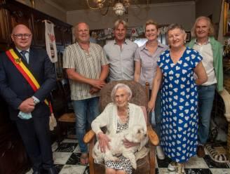 Elza De Wilde viert 100ste verjaardag in huisje waar ze al sinds 1963 woont