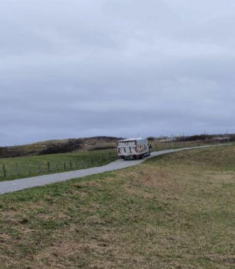 Onenigheid tussen gemeente en provincie over bevoorrading strandtenten via fietspad: 'Rijden zelfs vrachtwagens'