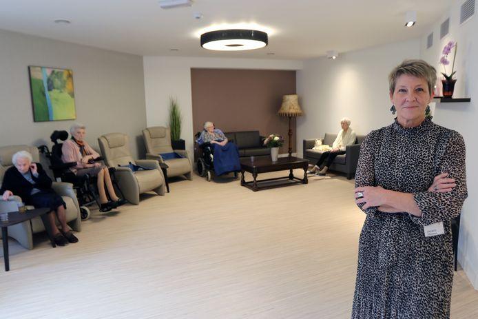 Directrice Ingrid Bierinckx in de nieuwe leefruimte van het Binnenhof.