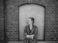 Muzikant Aidan uit Eindhoven grijpt luisteraar meteen in zijn nekvel op nieuw album