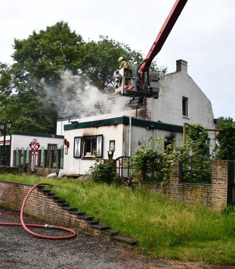 Uitslaande brand in woning Westdorpe