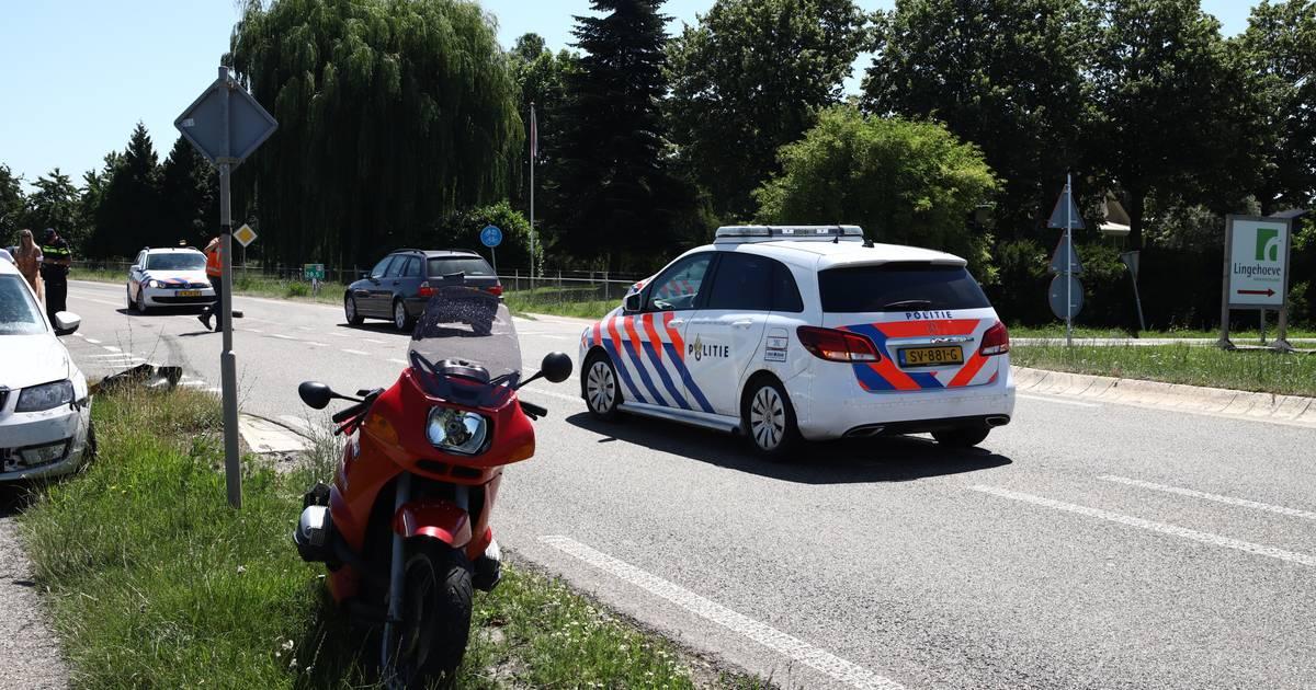 Motorrijder gewond door botsing met auto in Lienden.