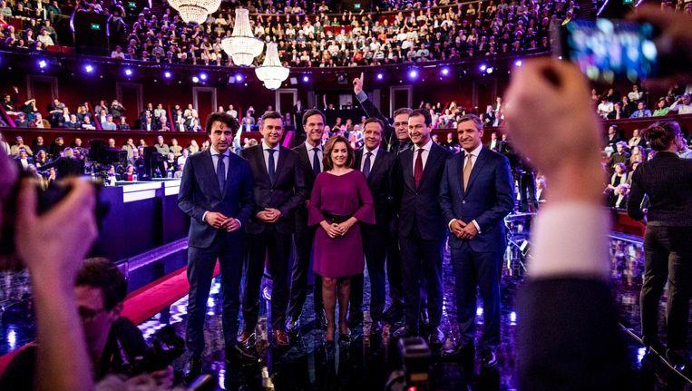 De deelnemers aan het debat: van links af Klaver (GL), Roemer (SP), Thieme (PvdD), Pechtold (D66), Krol (50Plus), Asscher (PvdA) en Buma (CDA). Beeld Freek van den Bergh / de Volkskrant