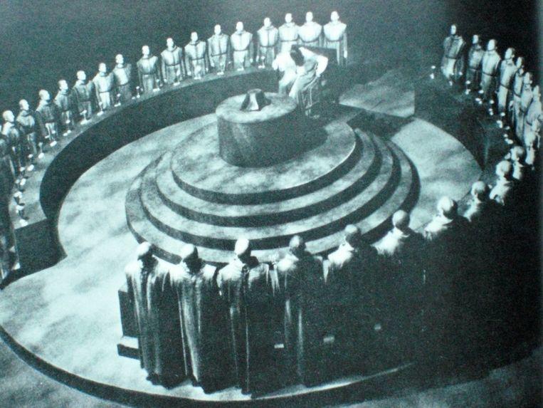 Leden van de ariosofische Thule-vereniging in München, die aan de wieg stond van de NSDAP (beeld uit boek). Beeld RV