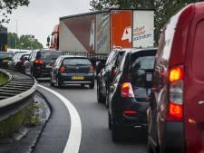Lichtpuntje voor autorijders: minder vaak vast in stad