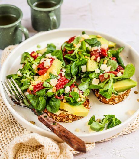 Wat Eten We Vandaag: Toast carpaccio met avocado