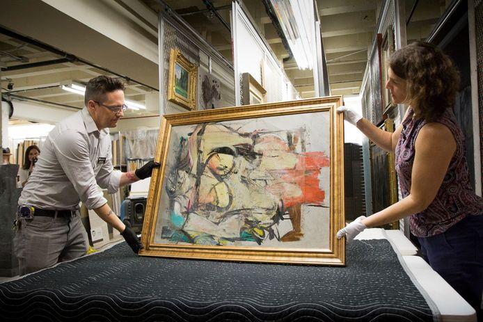 Willem de Koonings Woman-Ochre kwam vorig jaar weer 'thuis' in het University of Arizona Museum of Art.