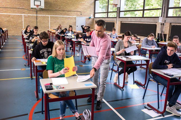 Centraal schriftelijke eindexamens op het Insula College in Dordrecht, 2019. Beeld Novum RegioFoto