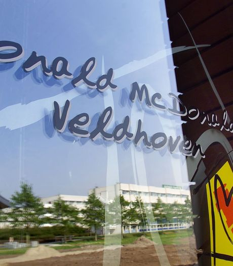 Schenking Verhoeven Bakkerij aan Ronald McDonald Huis Zuidoost Brabant