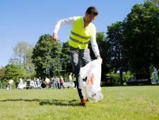 Advocaten zijn puinhoop in park beu en gaan zelf maar schoonmaken: 'Het lijkt wel een festivalterrein'