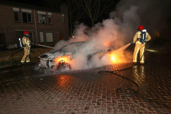 Autobrand aan de Biezenkuilen in Veldhoven.
