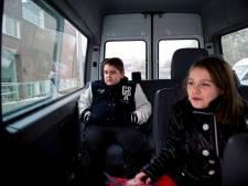 Twee vervoerders gaan scholieren rijden