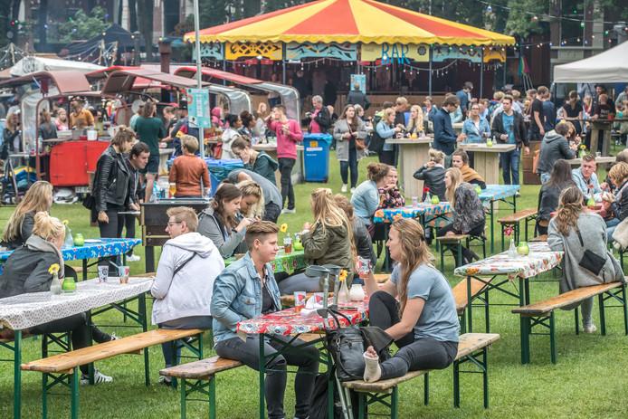 ZwolleLepeltje Lepeltje is weer neergestreken in Zwolle in het ter Pelkwijkpark vierdagen eten van de roodtrucks FotoPersBuro Frans Paalman Zwolle © 2017