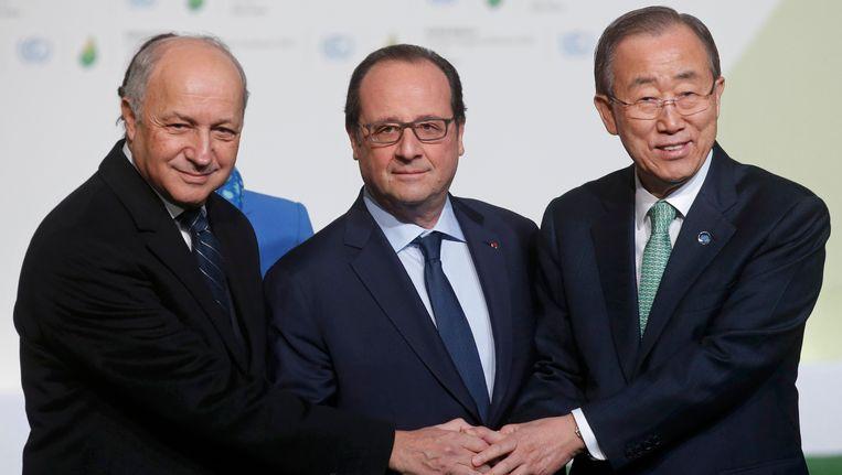 Minister van Buitenlandse Zaken Laurent Fabius, de Franse president François Hollande en secretaris-generaal van de Verenigde Naties Ban Ki-moon. Beeld REUTERS