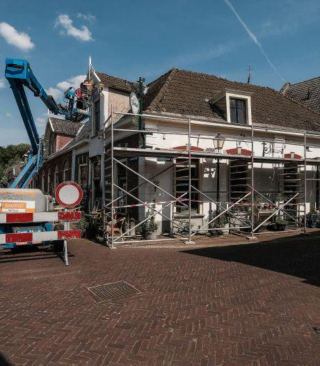 Bredevoorts café De Zwaan dicht; boeken en curiosa te koop