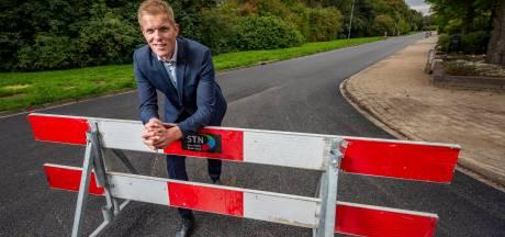 Primeur in Brummen: Met grasfalt, rijden automobilisten over olifantsgras