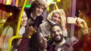 Lijnbussen vervoeren feestgangers tijdens oudejaarsnacht