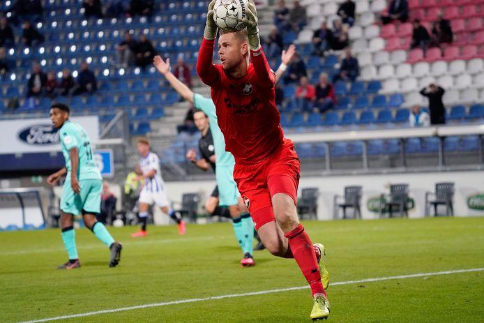 Robbin Ruiter tijdens SC Heerenveen - Willem II in september 2020.