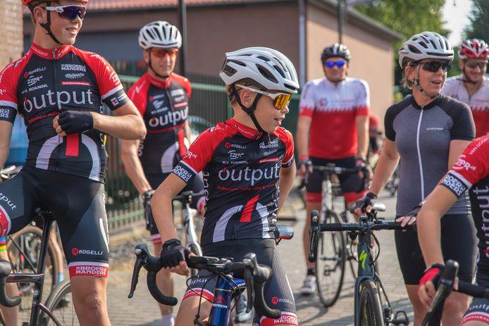Jong en oud fietste mee voor Kika.