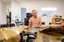 Slagwerker Joost Visser van de Popschool Twenterand kijkt uit naar de samenwerking met 'huisgenoot' muziekvereniging De Harmonie Vroomshoop.